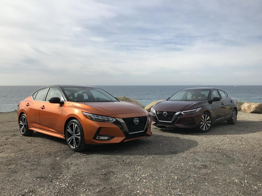 2020 Nissan Sentra SR, left, and SV, right, trim