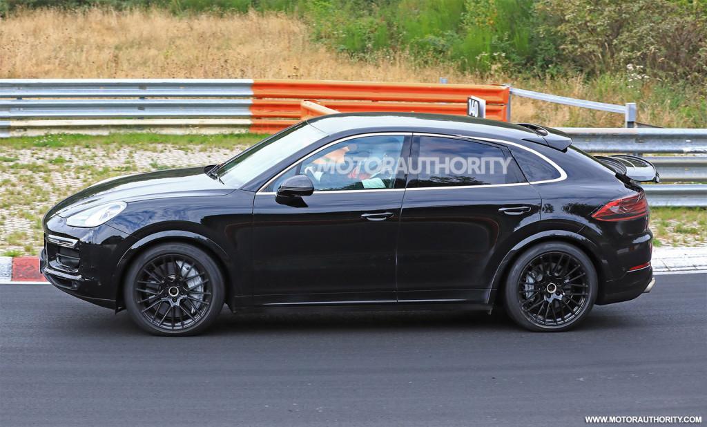 2020 Porsche Cayenne coupe spy shots