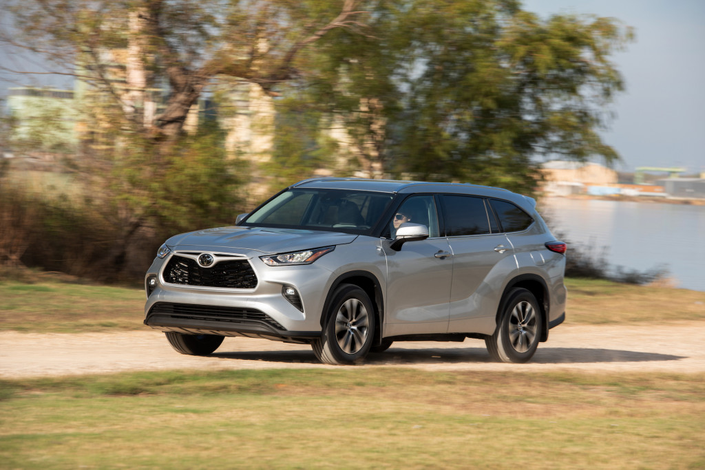 2020 Toyota Highlander crossover earns Top Safety Pick award