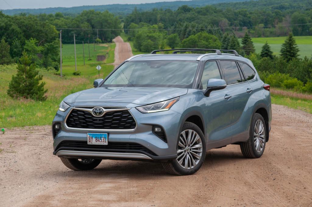 The 2020 Toyota Highlander Platinum earns a participation trophy
