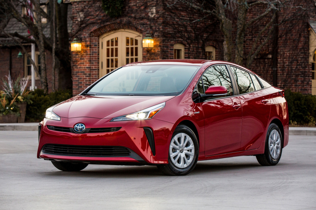 2020 Toyota Prius: Up to 56 MPG, now with CarPlay and Alexa for all grades