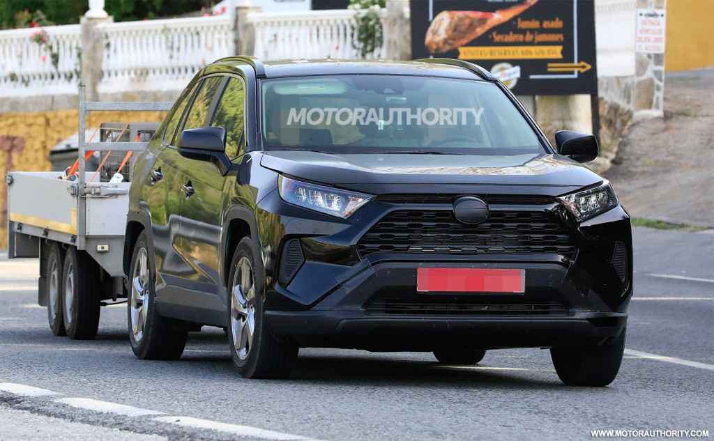 2020 Toyota RAV4 plug-in hybrid spy shots