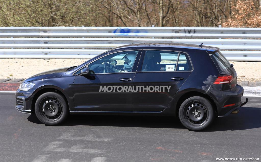 2020 Volkswagen Golf spy shots