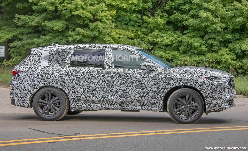 2021 Acura MDX spy shots - Photo credit:S. Baldauf/SB-Medien