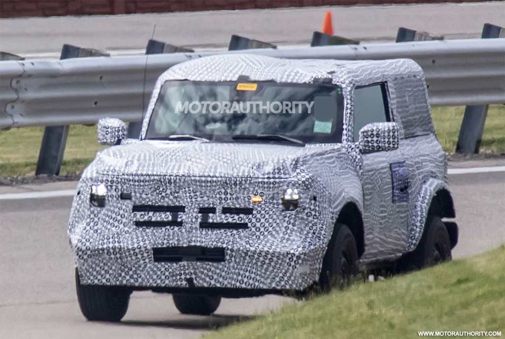 2021 Ford Bronco 3-door spy shots - Photo credit: S. Baldauf/SB-Medien