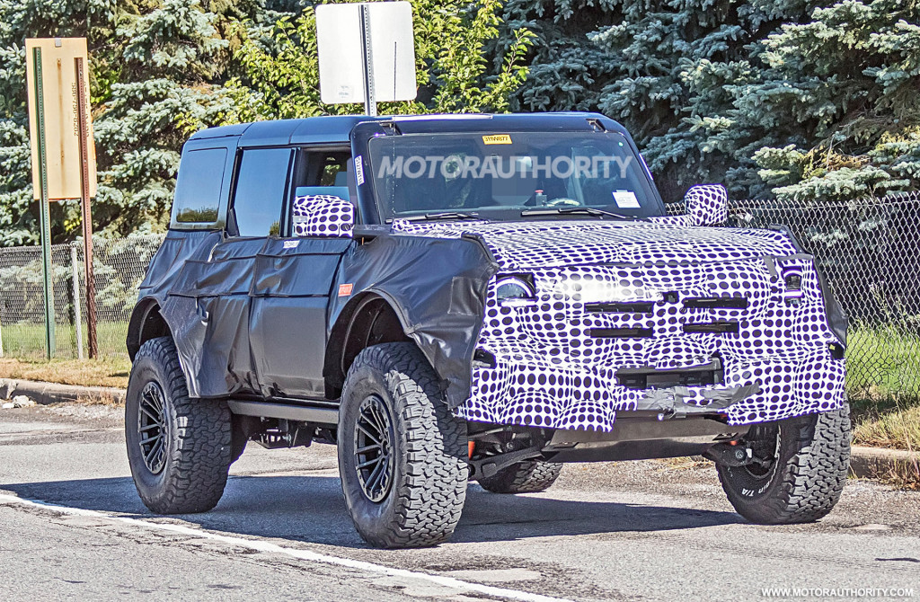 2021 Ford Bronco Raptor (or Warthog) spy shots - Photo credit: S. Baldauf/SB-Medien