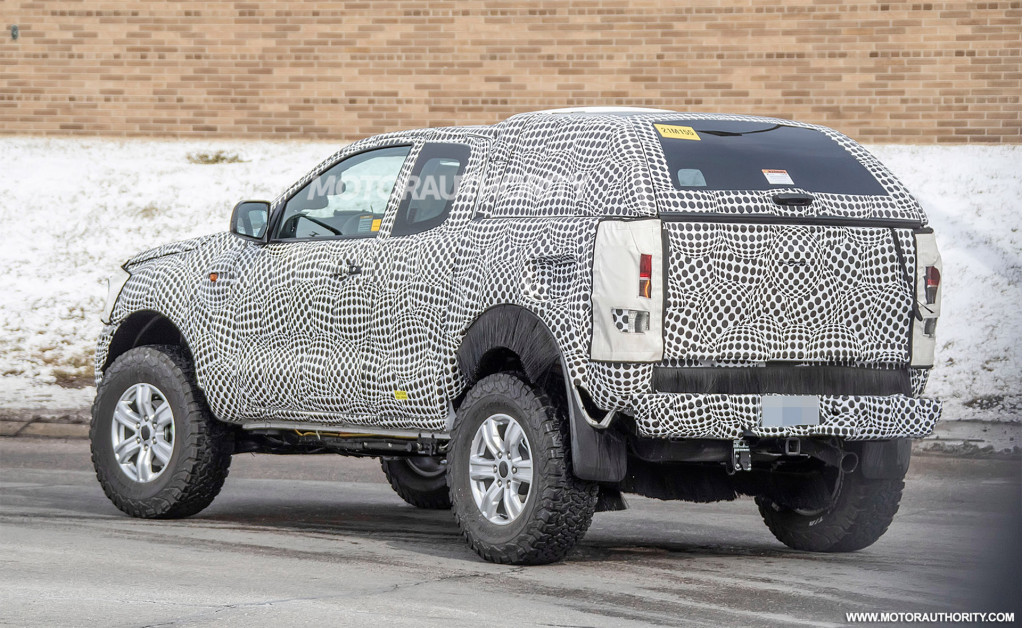 2021 Ford Bronco test mule spy shots - Image via S. Baldauf / SB-Medien