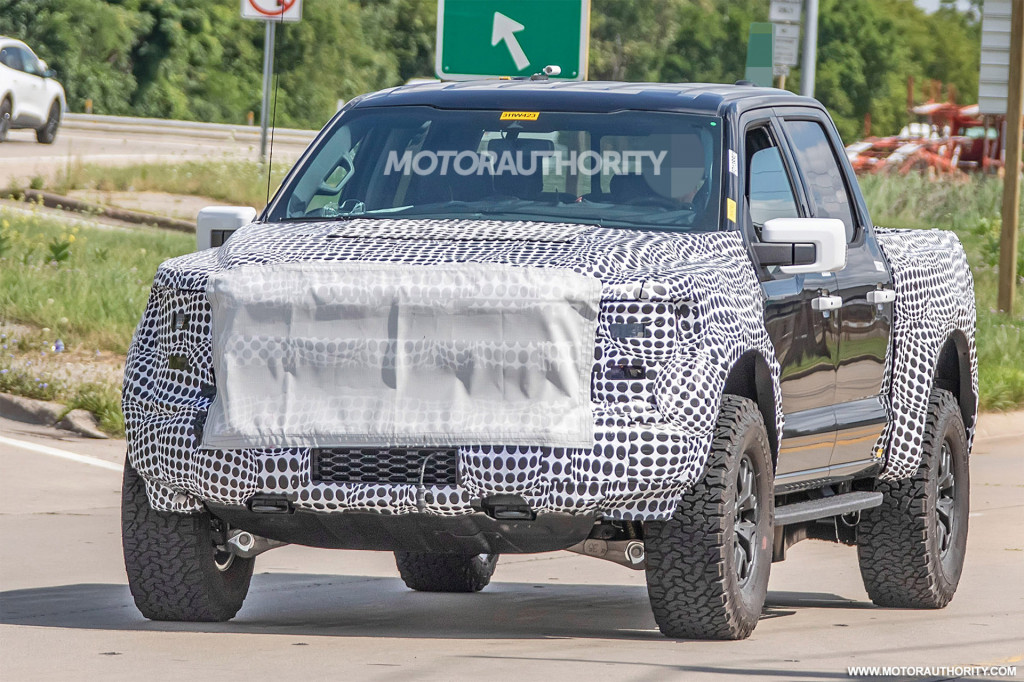 2021 Ford F-150 Raptor spy shots - Photo credit: S. Baldauf/SB-Medien