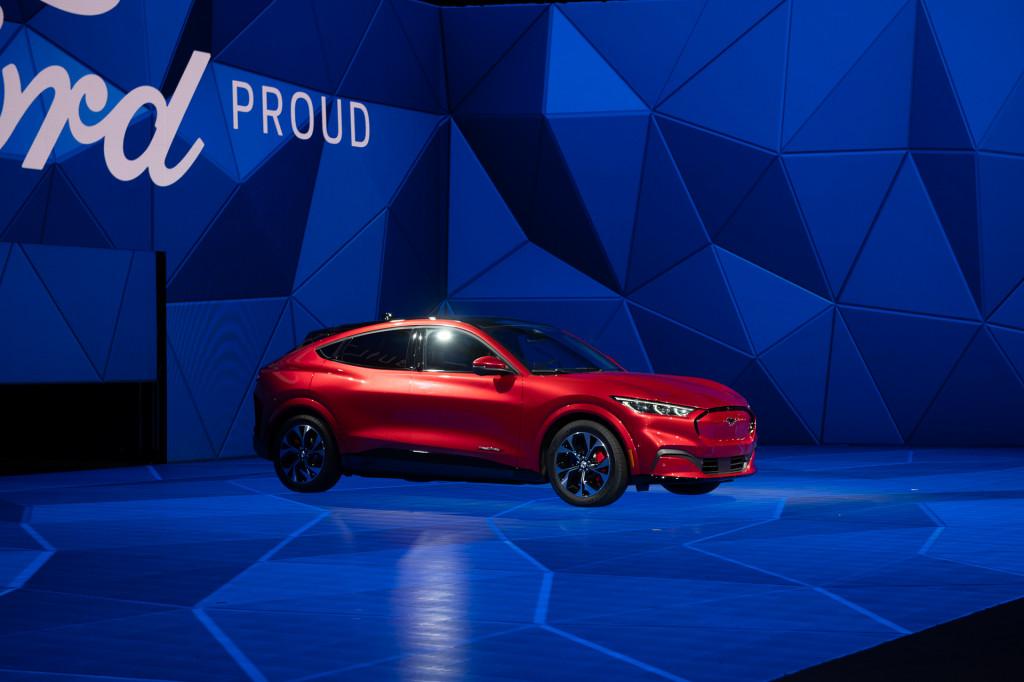 Mercedes-Benz EQC priced, refreshed Hyundai Ioniq and Kia Niro Hybrid: Today's Car News