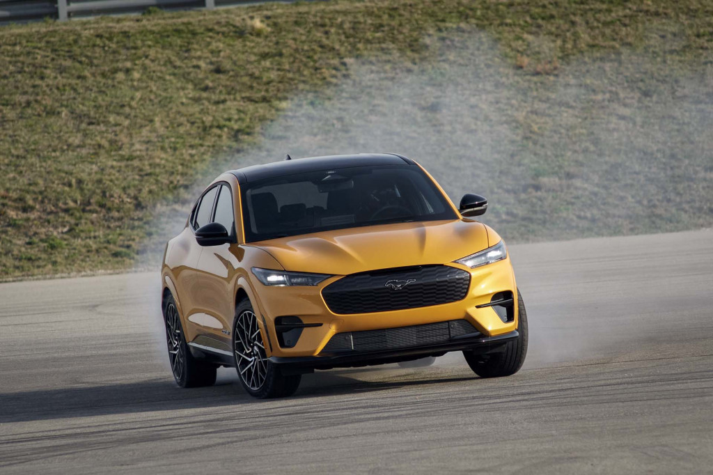 2021 Ford Mustang Mach-E GT gets up to 270 miles of range