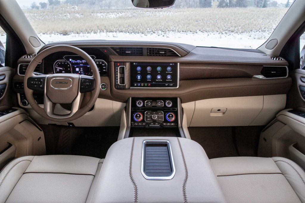 2021 GMC Yukon SUV revealed: Richer Denali, tougher AT4 ...