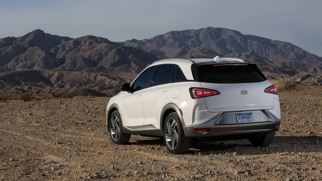 Hyundai expanding Nexo hydrogen fuel-cell availability in ...