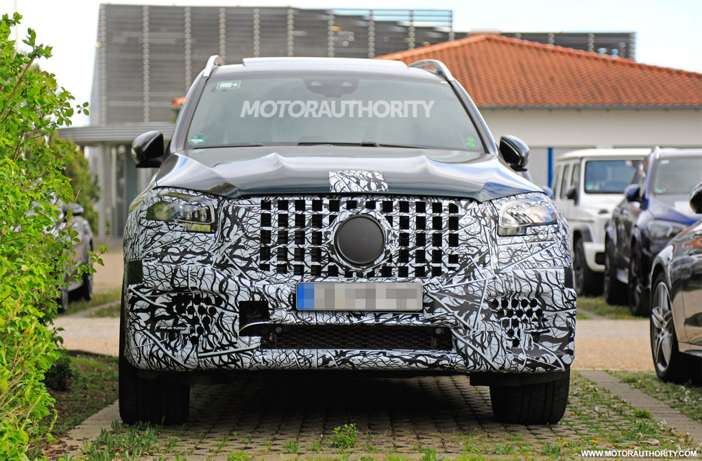2021 Mercedes-AMG GLS63 spy shots - Image via S. Baldauf/SB-Medien