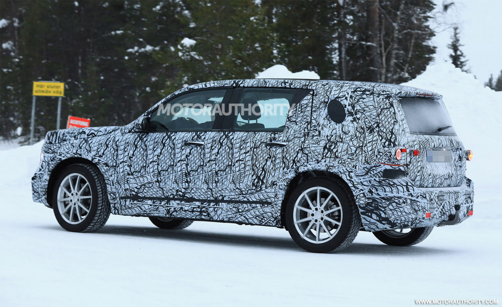 2021 Mercedes-Benz GLB spy shots