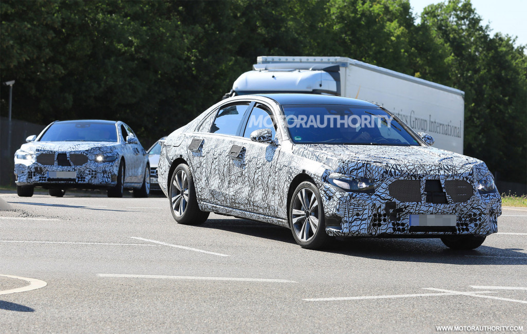 2021 Mercedes-Benz S-Class spy shots and video