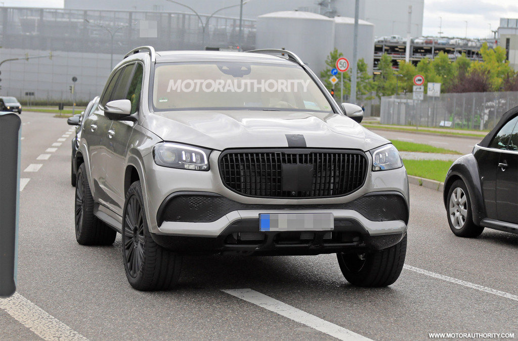 2021 Mercedes-Maybach GLS spy shots and video