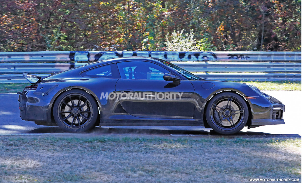 2021 Porsche 911 GT3 spy shots