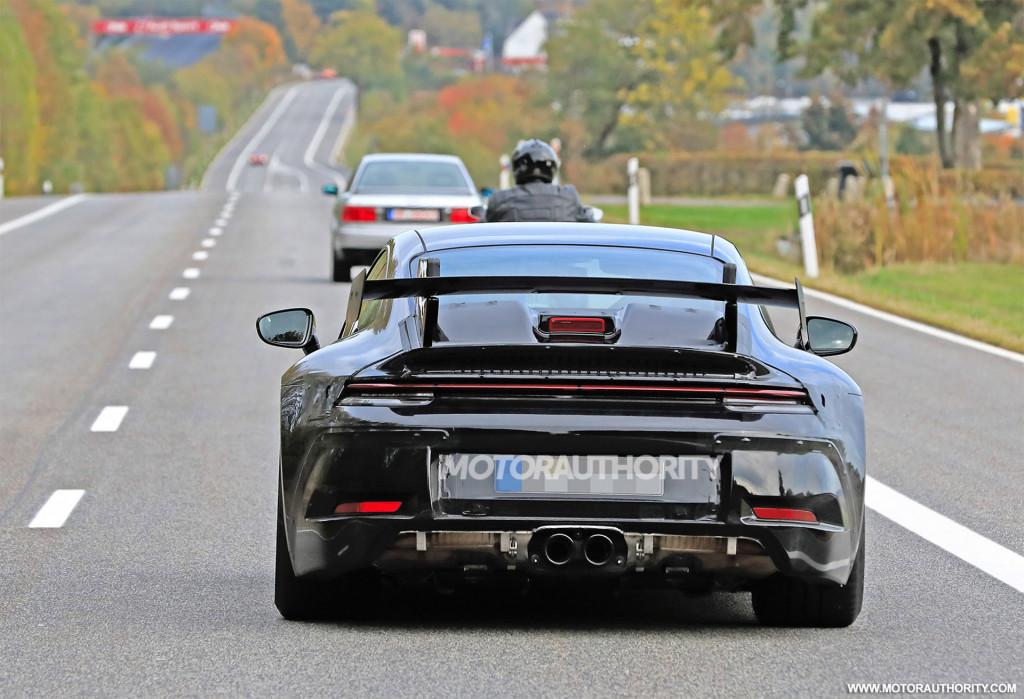 2021 Porsche 911 GT3 spy shots and video