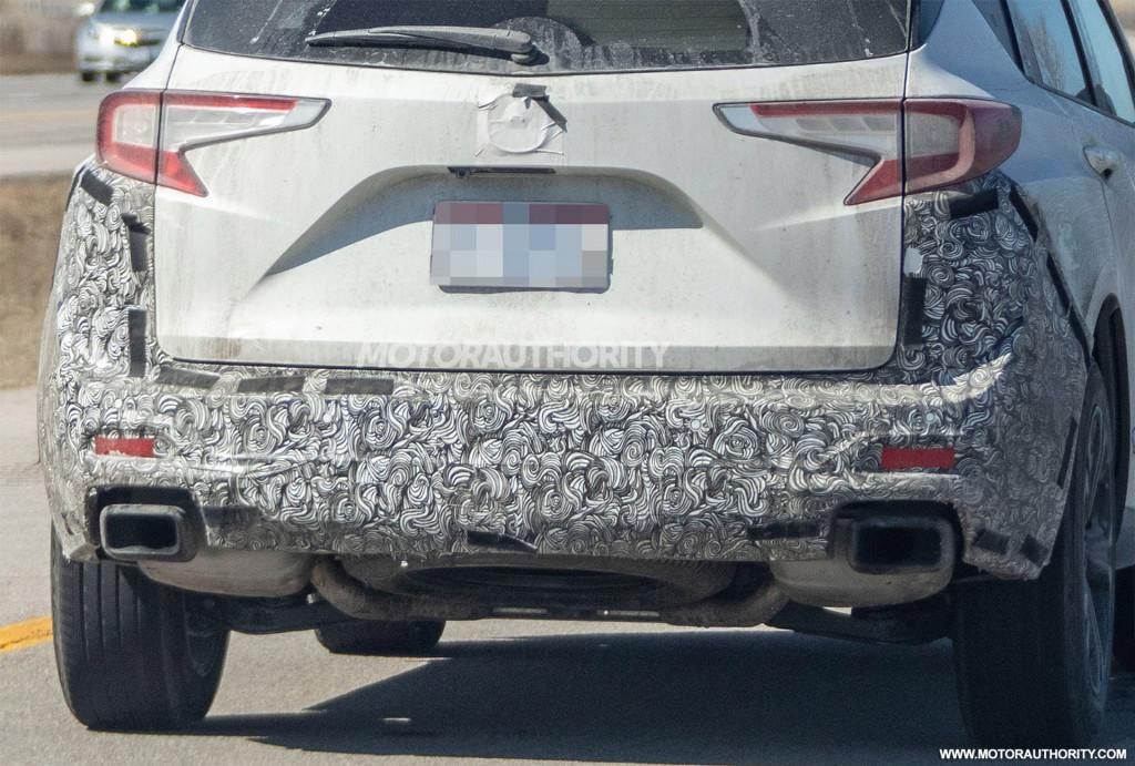 2022 Acura RDX facelift spy shots - Photo credit:S. Baldauf/SB-Medien