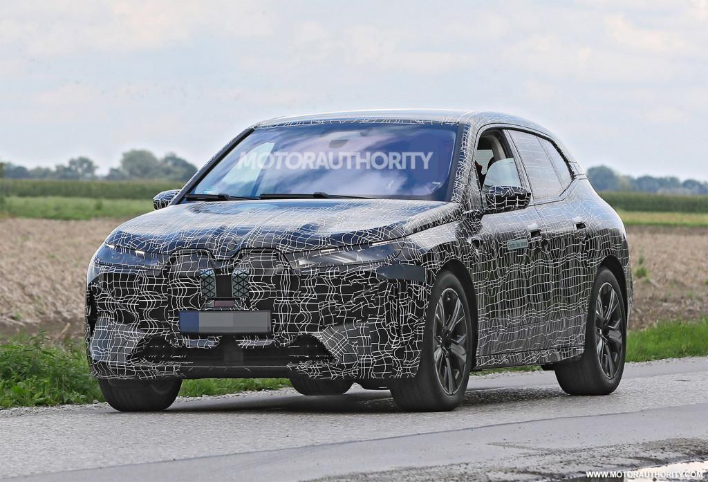 2022 BMW iNext spy shots - Photo credit:S. Baldauf/SB-Medien