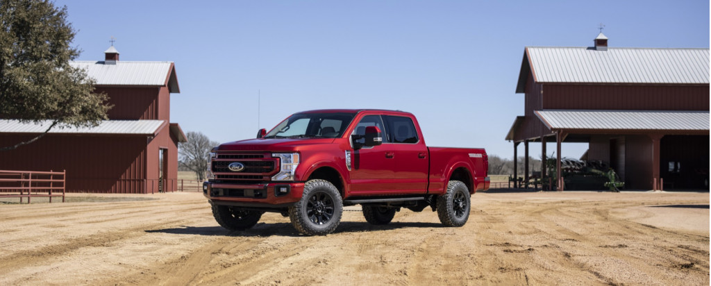 2022 Ford Super Duty Lariat Tremor with Sport Appearance Package