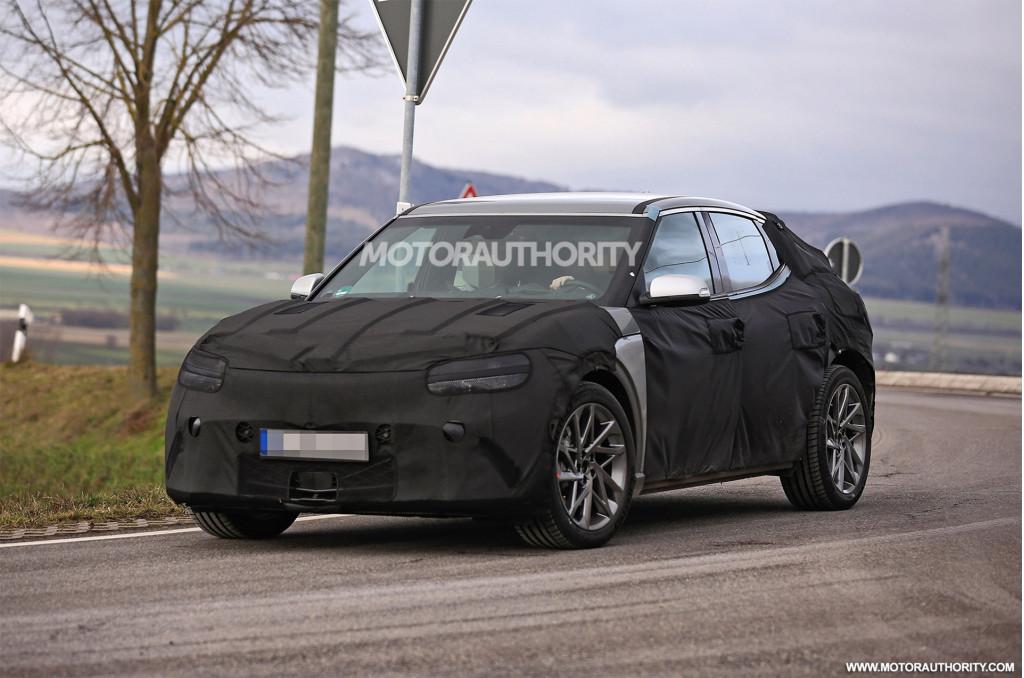 2022 Genesis JW electric crossover SUV spy shots - Photo credit: S. Baldauf/SB-Medien