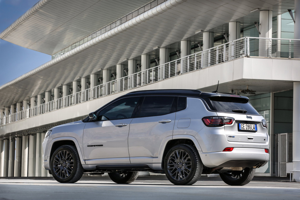 2022 Jeep Compass S 4xe (European spec)