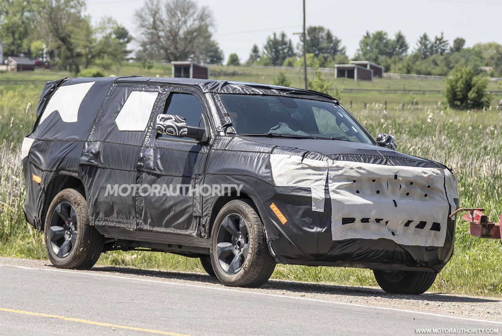 2022 Jeep Wagoneer spy shots - Photo credit: S. Baldauf/SB-Medien