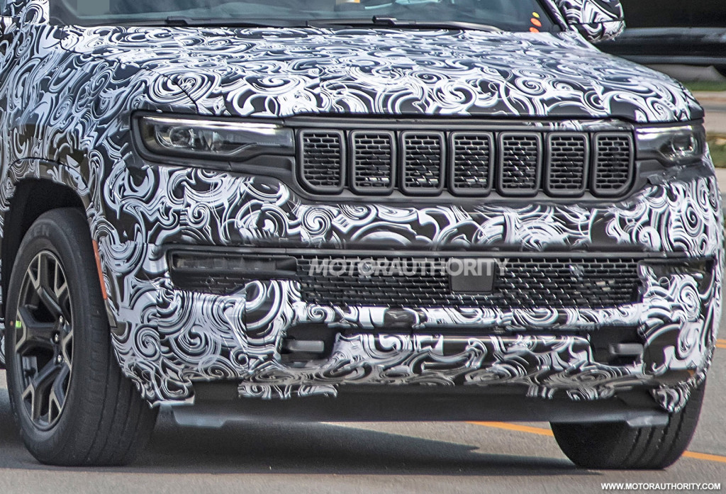 2022 Jeep Grand Wagoneer spy shots - Photo credit: S. Baldauf/SB-Medien