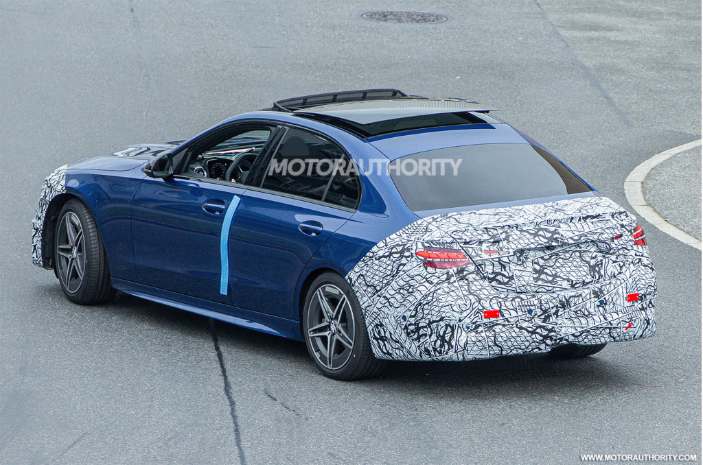 2022 Mercedes-Benz C-Class spy shots - Photo credit: S. Baldauf/SB-Medien