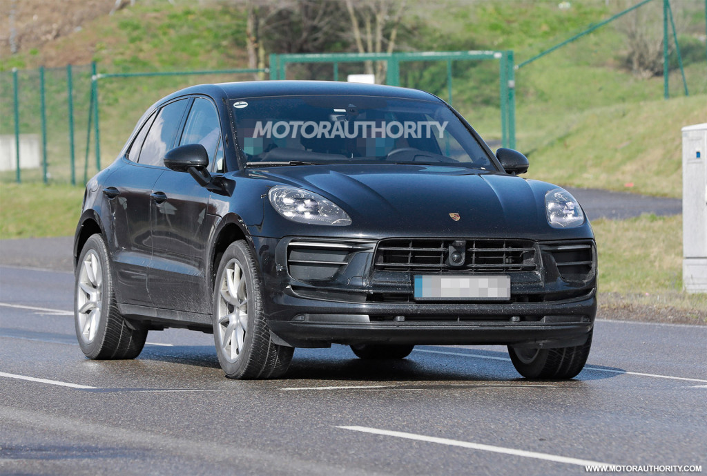 2022 Porsche Macan facelift spy shots - Photo credit: S. Baldauf/SB-Medien