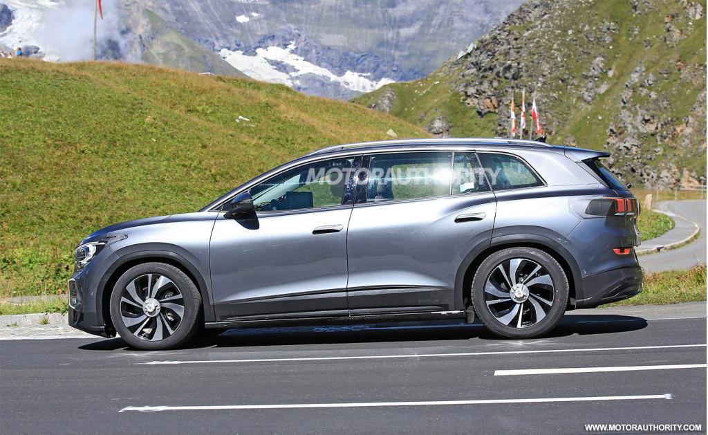 2022 Volkswagen ID 6 spy shots - Photo credit:S. Baldauf/SB-Medien