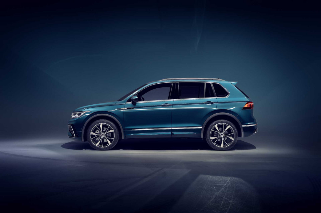 2022 VW Tiguan refreshed, 2022 Bentley Flying Spur debuts, 2022 Bolt EUV rated: What's New @ The Car Connection