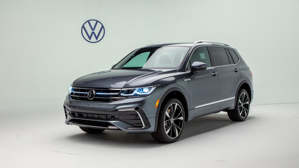2022 Volkswagen Tiguan costs up to $2,100 more than outgoing model