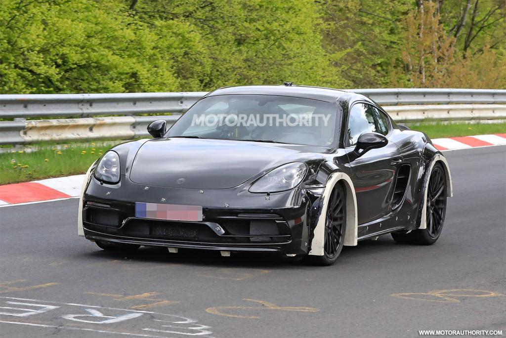 2024 Porsche 718 Cayman test mule spy shots - Photo credit:S. Baldauf/SB-Medien