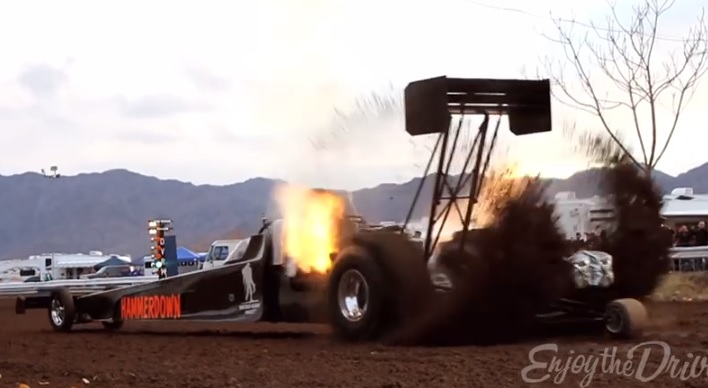 7,000 Horsepower Top Fuel Dragster On Dirt: Yes, It's Crazy