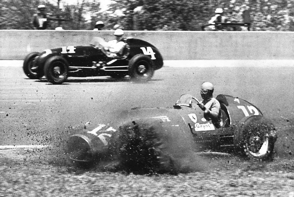 A Borrani wire wheel collapsed on Ascari's car, sending him into the infield | Bob Doeppers