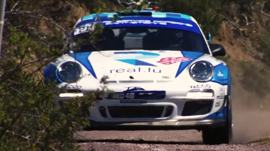 Porsche 911 Gt3 Rs 4 0 Pushes Hard In Rally Race