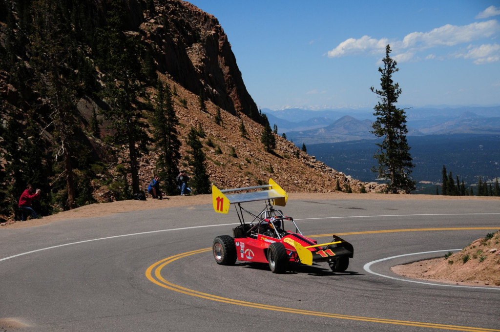 A Wells Coyote races up Pikes Peak | Danyak501 photo
