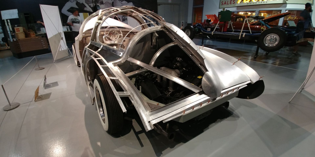 Air-cooled Porsche engine will be inserted to power the concept