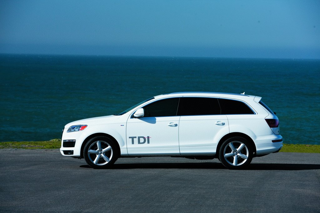 driven 2009 audi q7 tdi. Black Bedroom Furniture Sets. Home Design Ideas