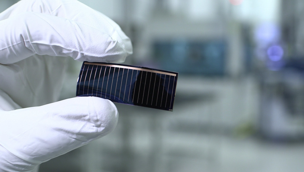 Audi and Chinese firm Alta Devices team up to develop a glass solar roof panel