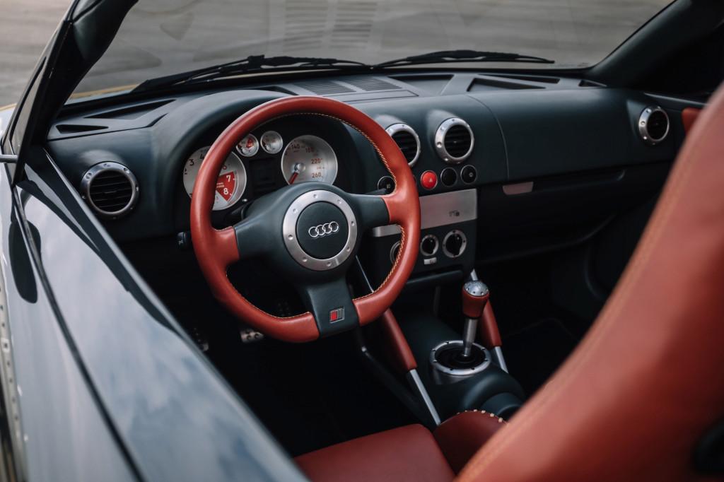 1995 Audi TTS concept interior