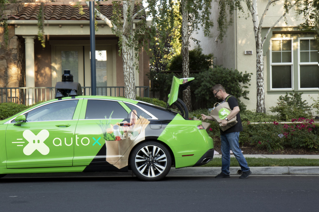 AutoX self-driving grocery delivery