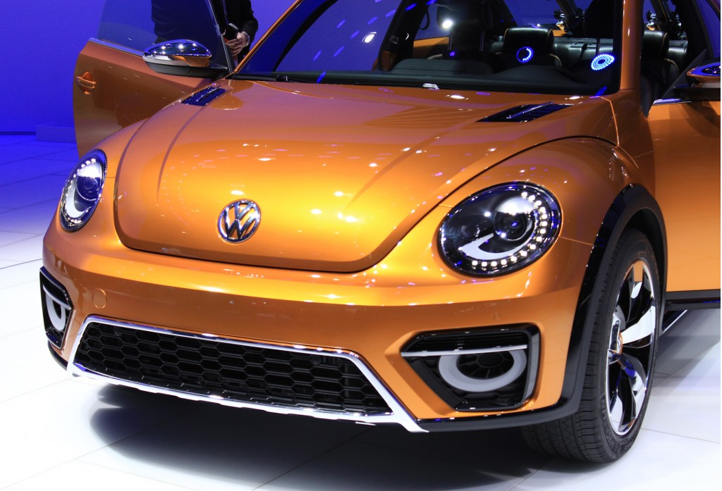 Volkswagen Beetle Dune Concept live photos, 2014 Detroit Auto Show