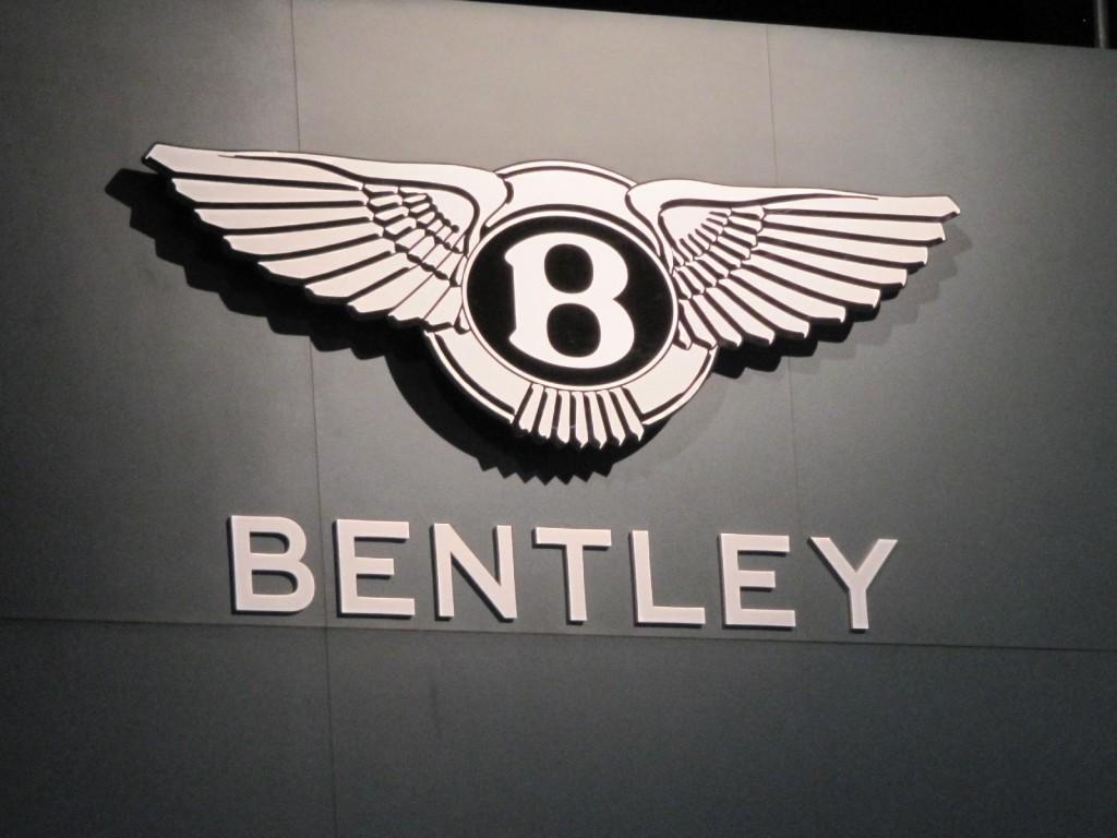 Benz Diesels, Bentley's SUV, 2012 Nissan Leaf: Car News Headlines