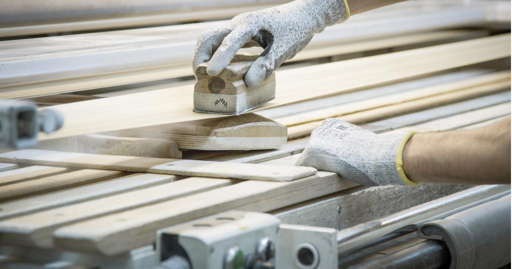 Bentley adds new wood veneer sourced from America