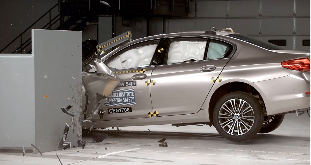 2017 BMW 5-Series, IIHS crash test