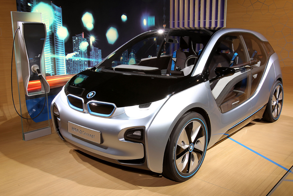 Bmw Shows Off I3 I8 In New York On Born Electric Tour