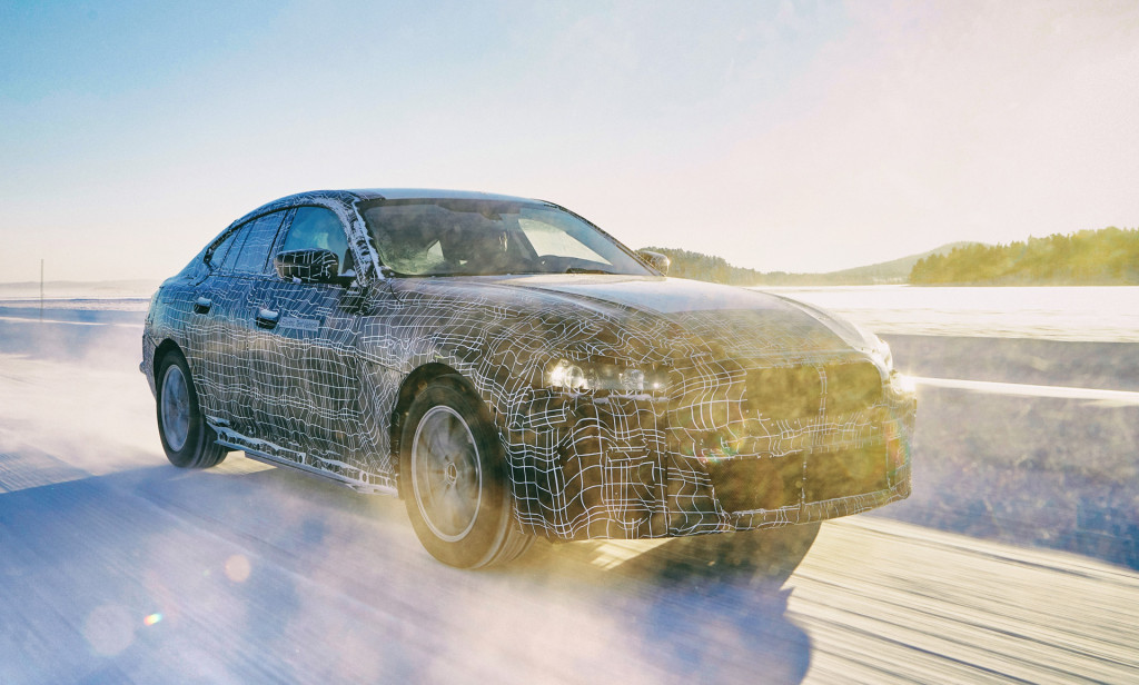 BMW i4 confirmed with 80-kwh battery, 523 hp, over 300 miles of range